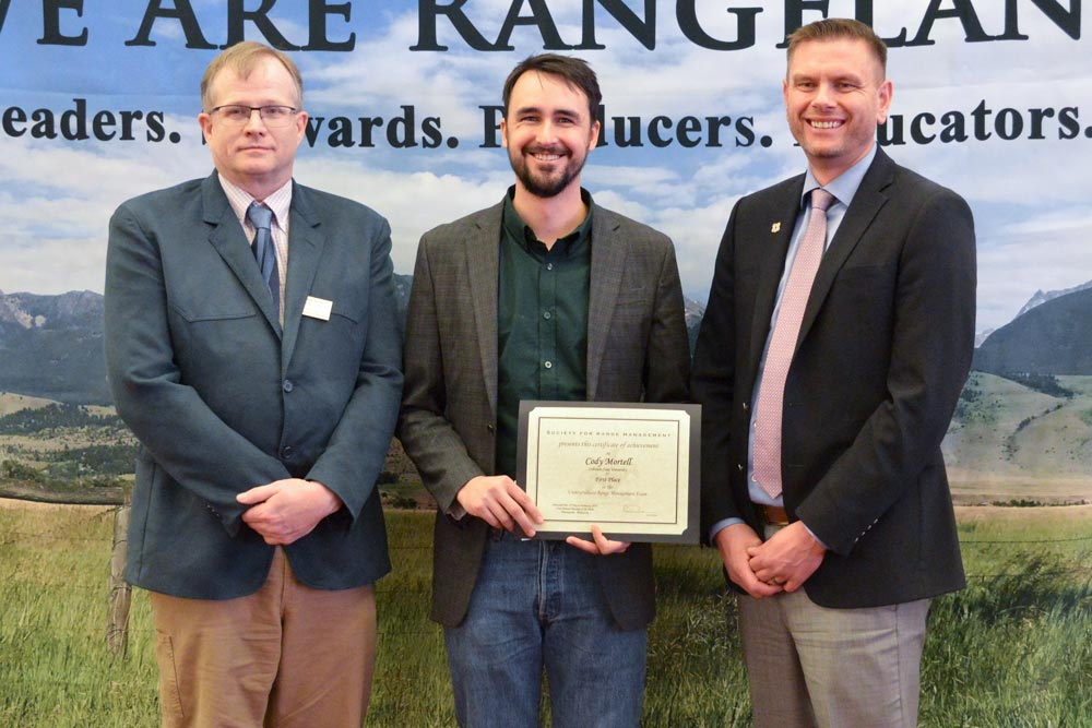 student with rangeland exam award